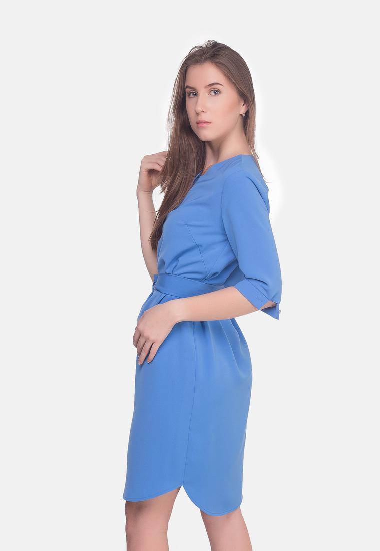 Платье с поясом нежное